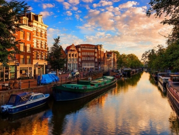 GR8 Hotel Amszterdam Riverside****