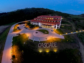 Hotel Cascade Resort Spa...