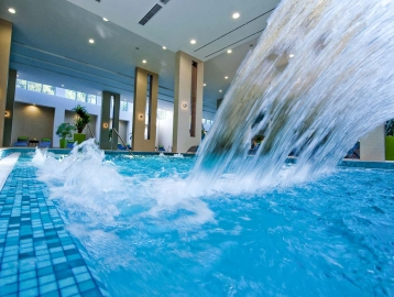 Abacus Business & Wellness Hotel Herceghalom****