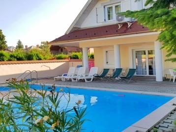 Zámor 10 Apartment's & Wellness Keszthely