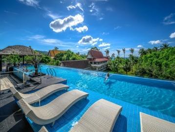 Andaman Beach Suites Hotel - Phuket****