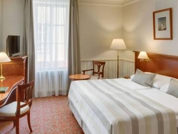 Adria Hotel****