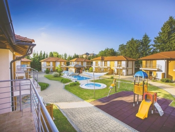 Karos Garden Family Resort - Családi Üdülőfalu